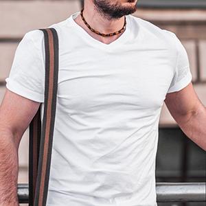 T-Shirt Scollo V - Mockup
